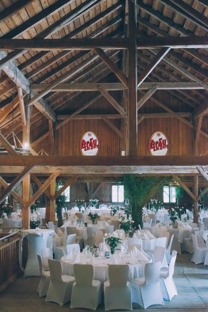 Stadl Tenne des Schloß Stauff in Frankenmarkt bei Hochzeitsfeier