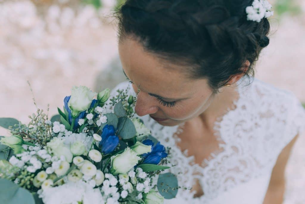Braut mit Brautstrauss
